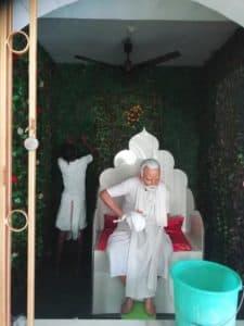 Уборка в самадхи Шрилы Гурудева