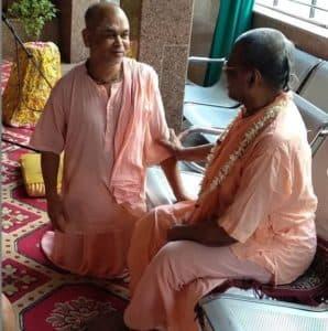 Прабхуджи И Бхакти Шрирупы Сиддханти Ученик