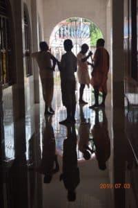 Уборка В Самадхи Нараяны Госвами3